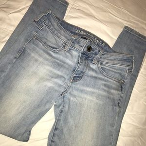 AE sz 4 short super stretch skinny jeans